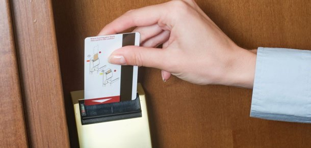 how to use a hotel key cards